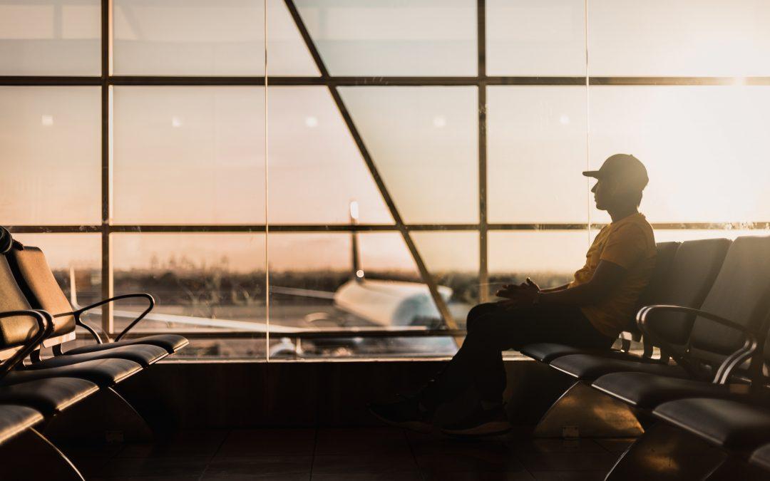 Urlaub Flughafen Symbolbild